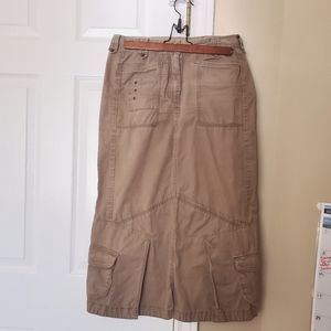 Size US 6 Tan Sandwich Skirt with lots of Pockets